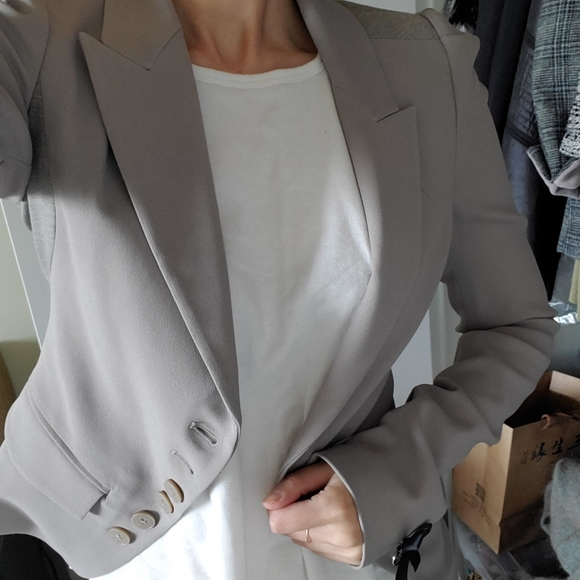 Luxury Fashion: Patrizia Pepe Blazer (size 40)